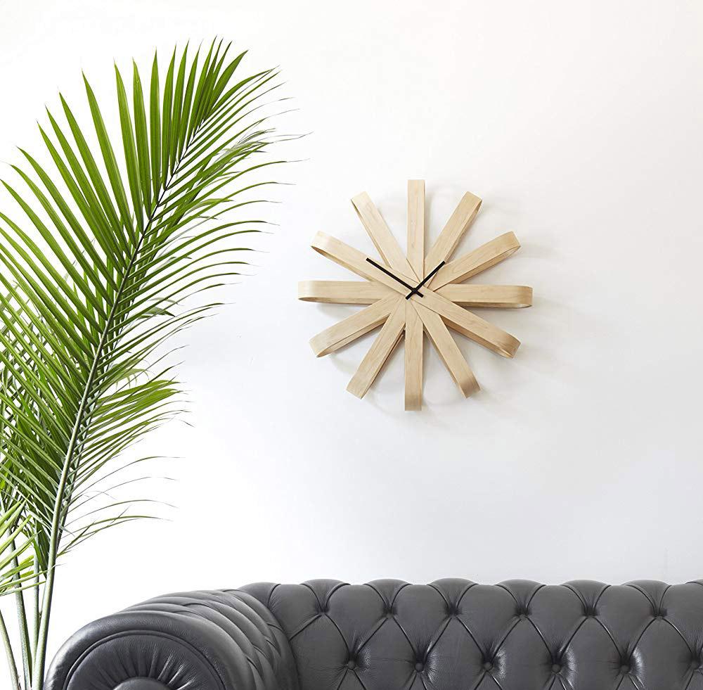 Folded-Wood-Ribbon-Style-Wall-Clock-Mid-Century-Modern-Design-Wall-Decor