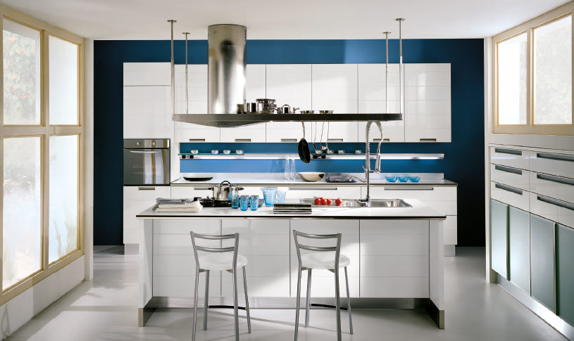 Natural-Light-Blue-wall-Kitchen-island
