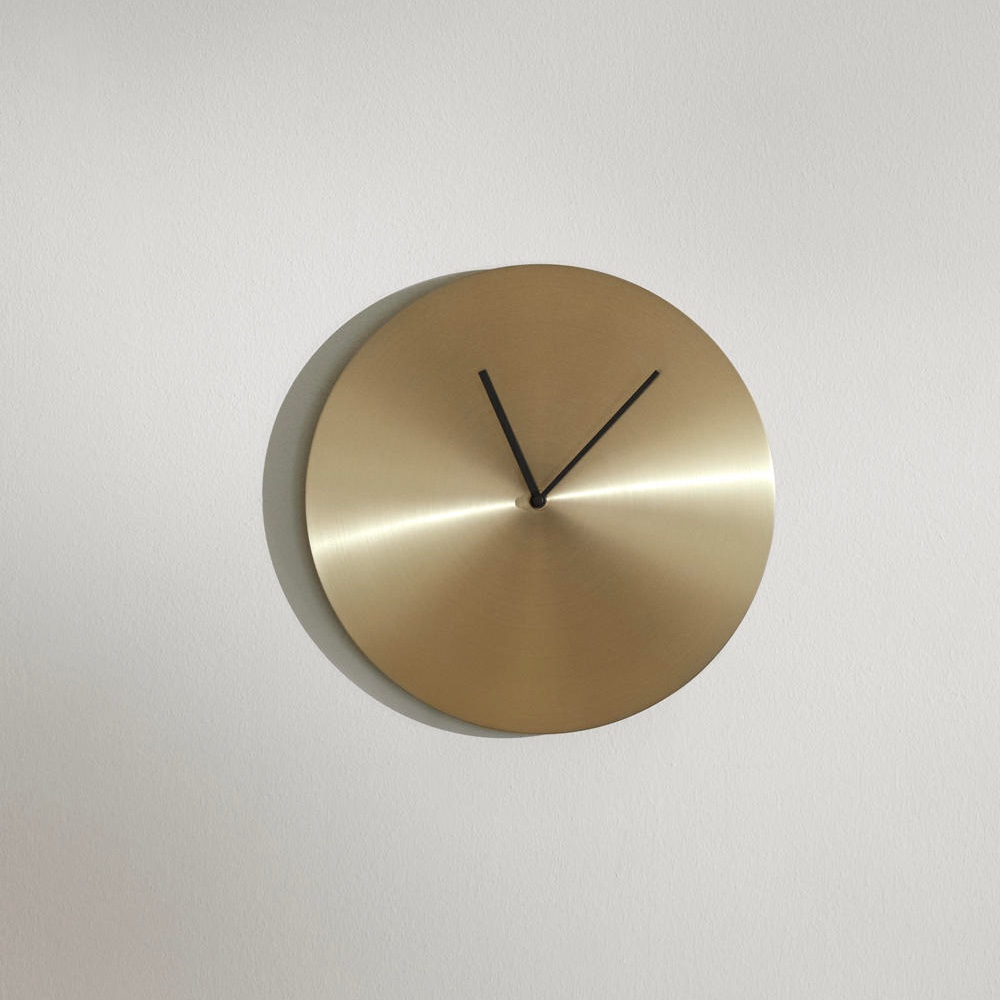 Round-Gold-Minimalist-Wall-Clock-With-Black-Hands-Menu-Norm-Mid-Century-Modern
