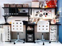 Teenage-workspace-black-white-decor
