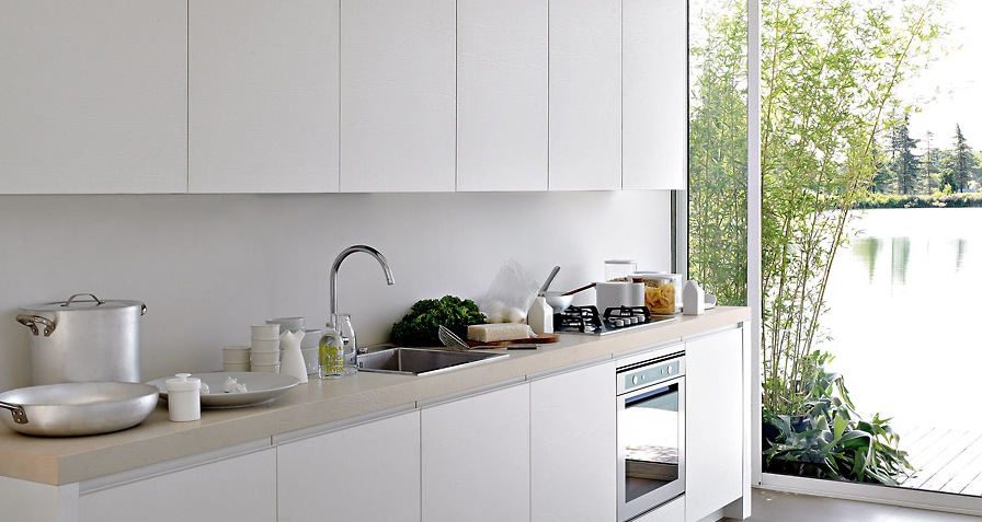 White-Kitchen-With-Great-Natural-Lighting