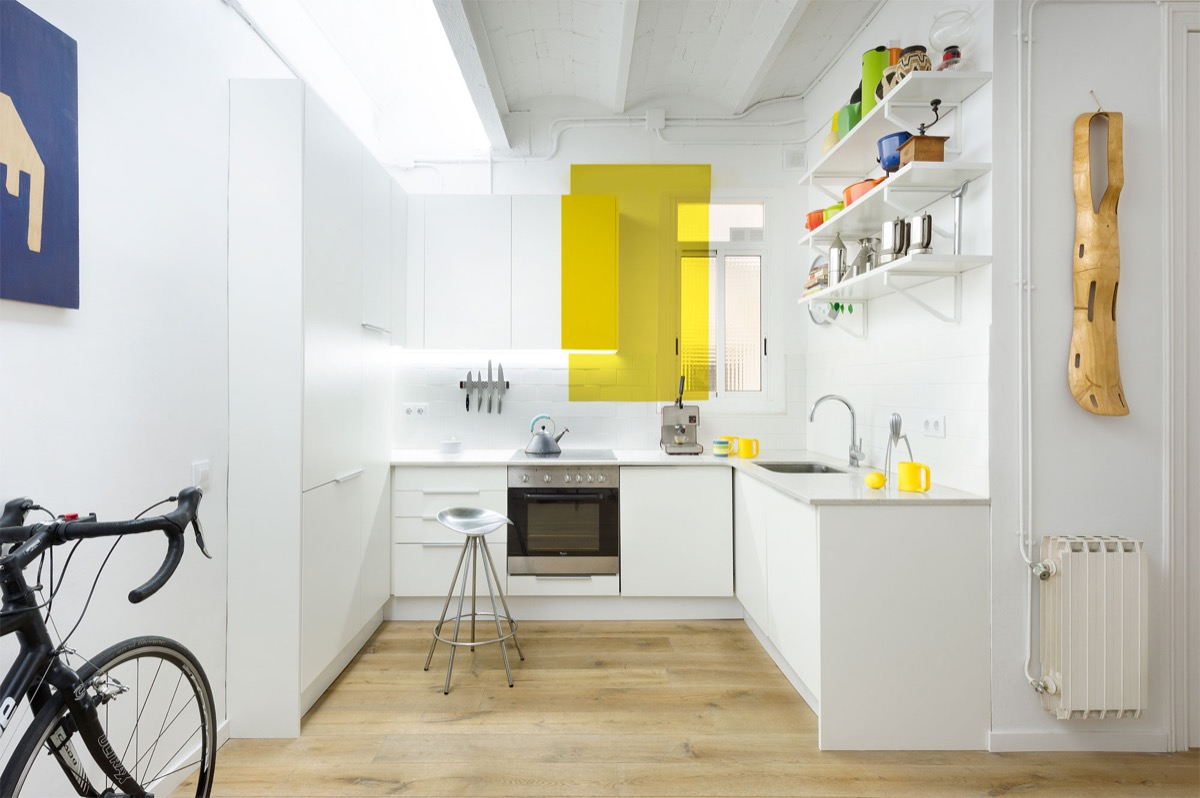 White-Kitchen-Yellow-Splash