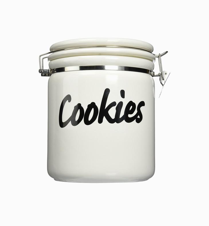 air-tight-black-and-white-ceramic-cookie-jar