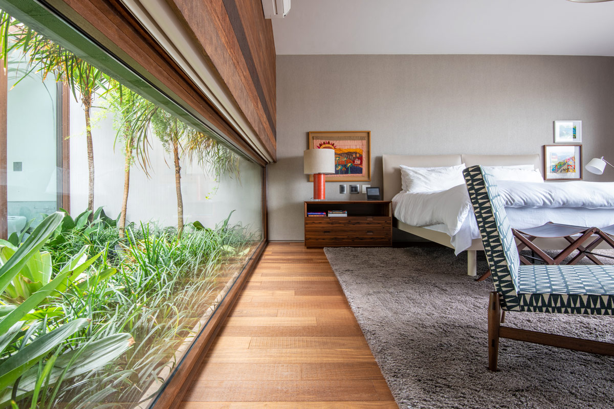 bedroom-with-green-space
