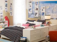 black-and-white-dorm-room