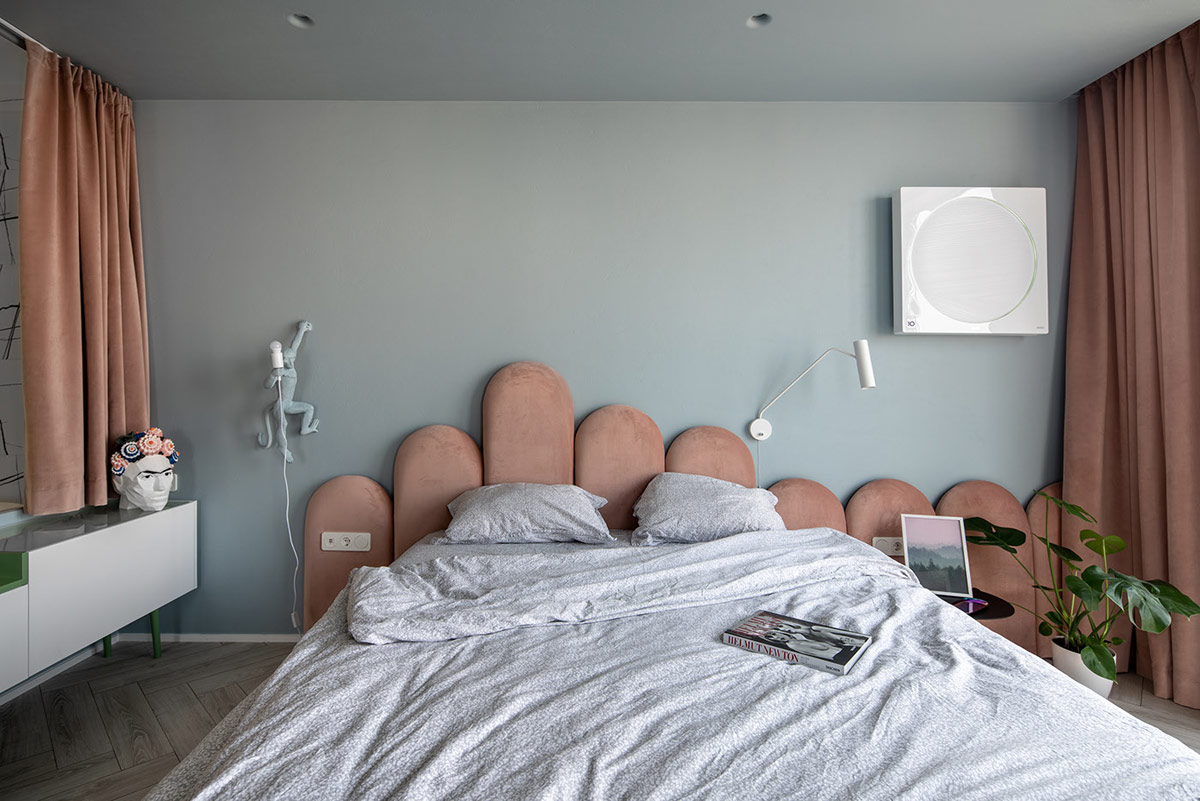 blue-grey-and-pink-bedroom