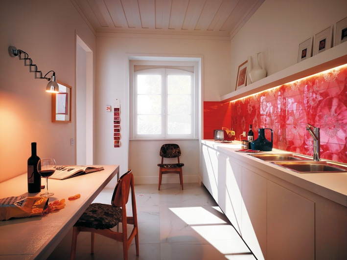 brilliant-red-graphic-backsplash