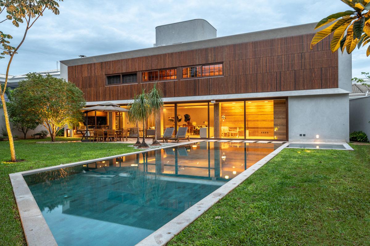 contemporary-home-exterior-1