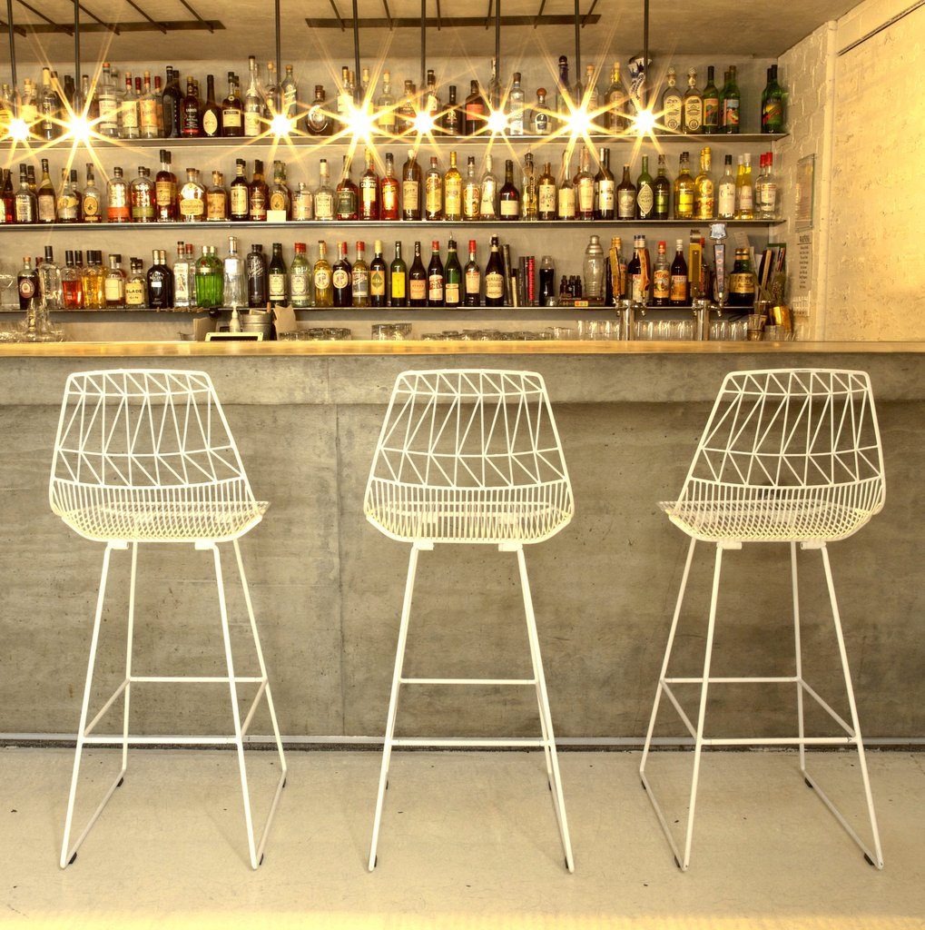 decorative-wire-bar-stools