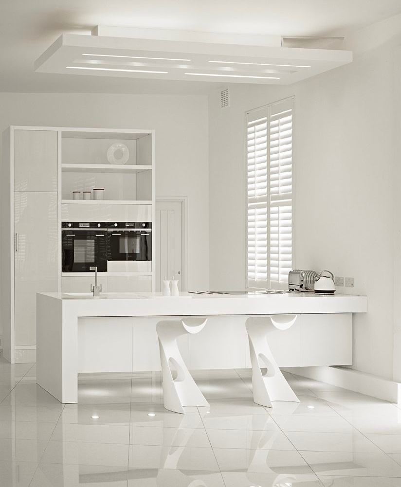 futuristic-sculptural-white-kitchen-counter-stools