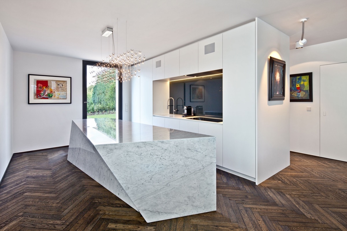 geometric-marble-bench-kitchen