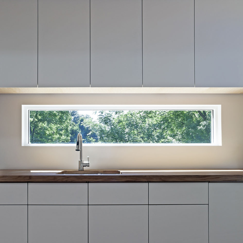 glass-window-backsplash