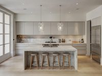 light-grey-and-white-kitchen-wine-glass-lighting