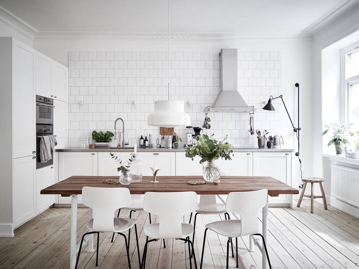 light-wooden-floor-white-brick-Scandinavian-kitchen-1