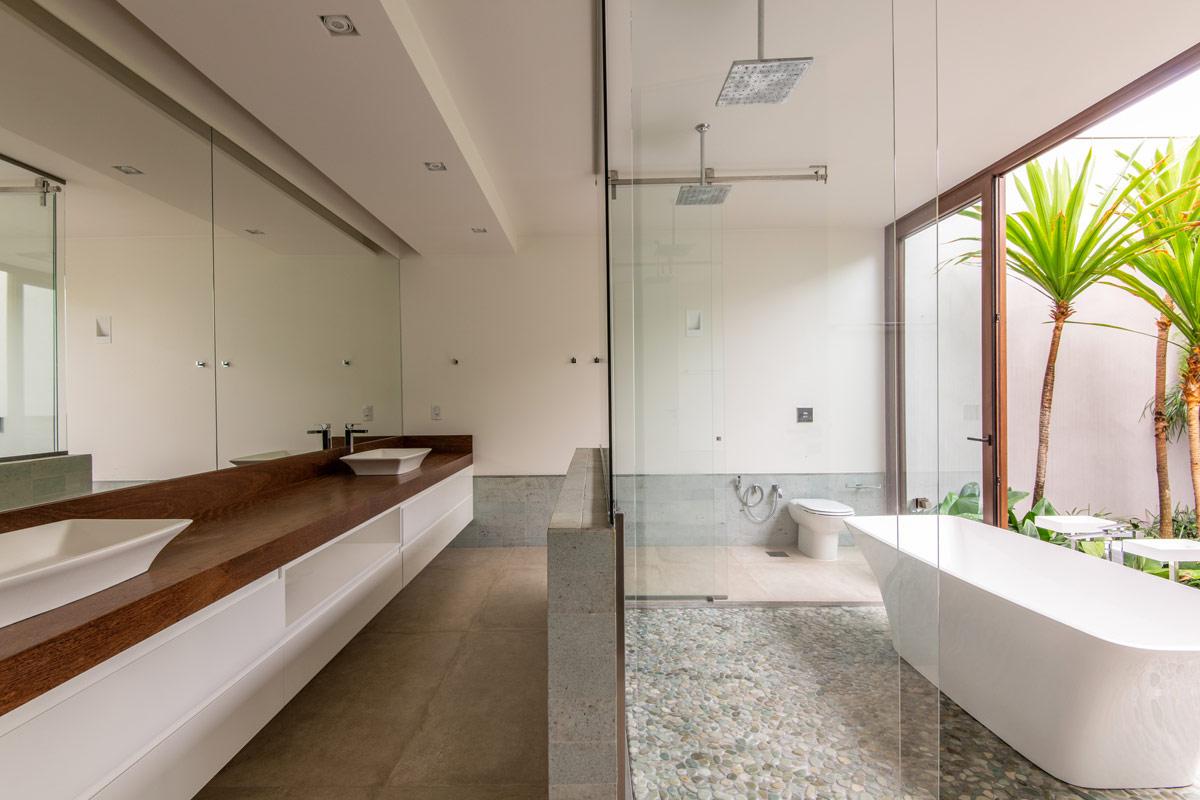 luxury-bathroom-1-1