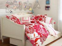 minimalist-dorm-room