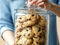 minimalist-large-glass-cookie-jars