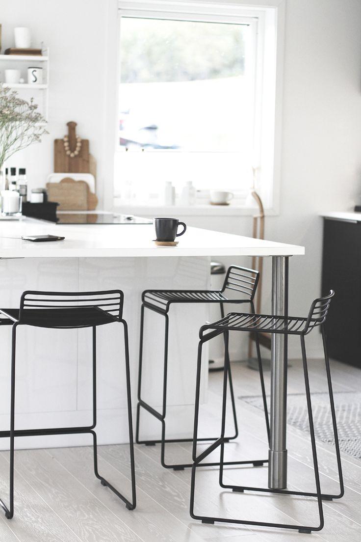 modern-minimalist-wire-kitchen-stools