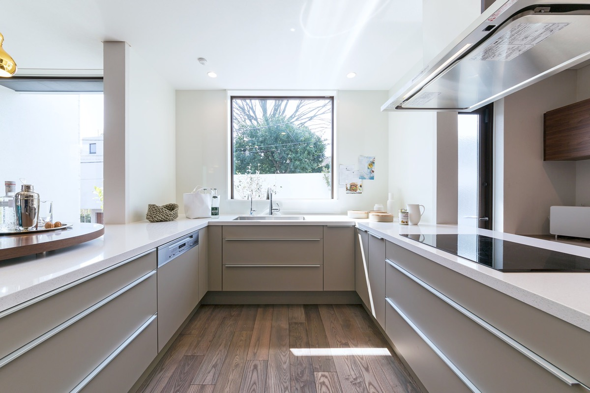 modern-u-shaped-kitchen