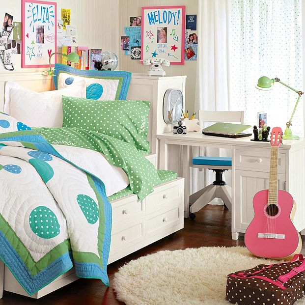 music-lovers-dorm-room