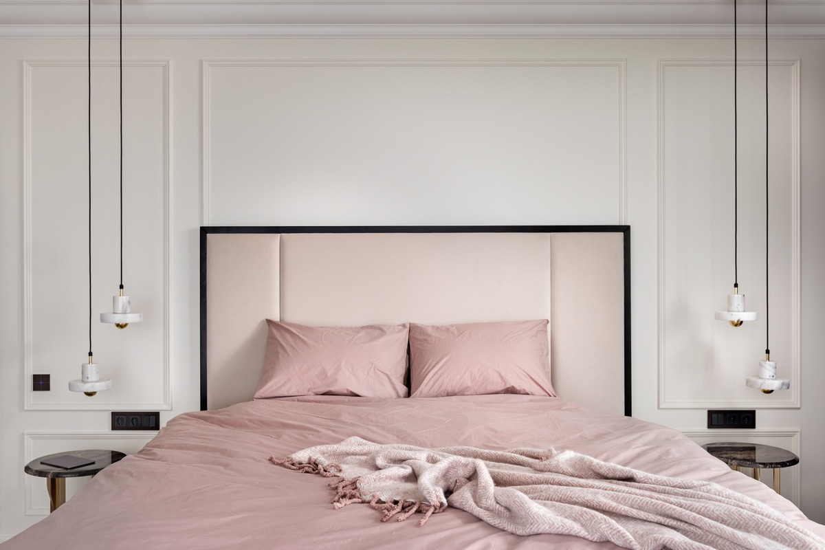 pink-bedroom-set