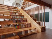 staircase-with-library