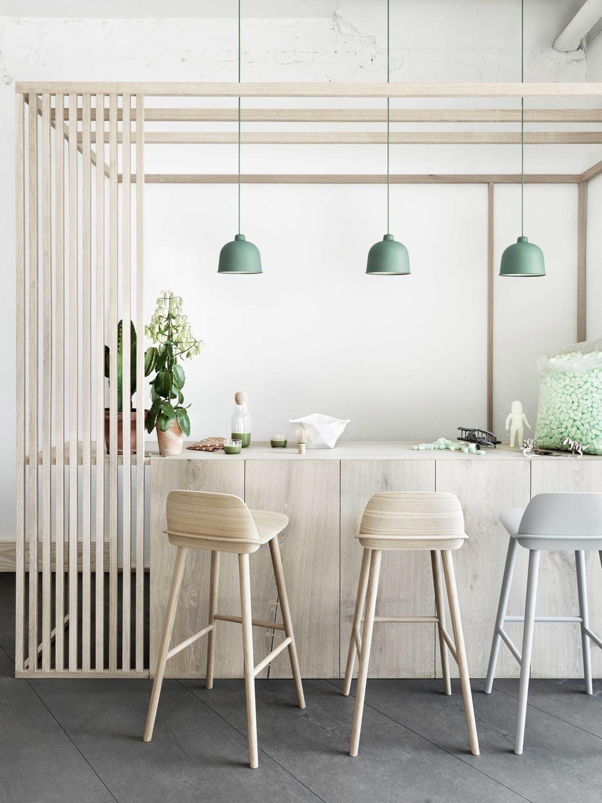 stencilled-white-kitchen-pastel-hues