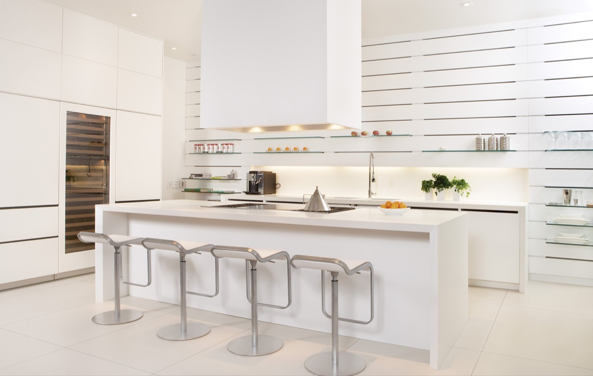 super-modern-kitchen-elongated-open-shelving-design