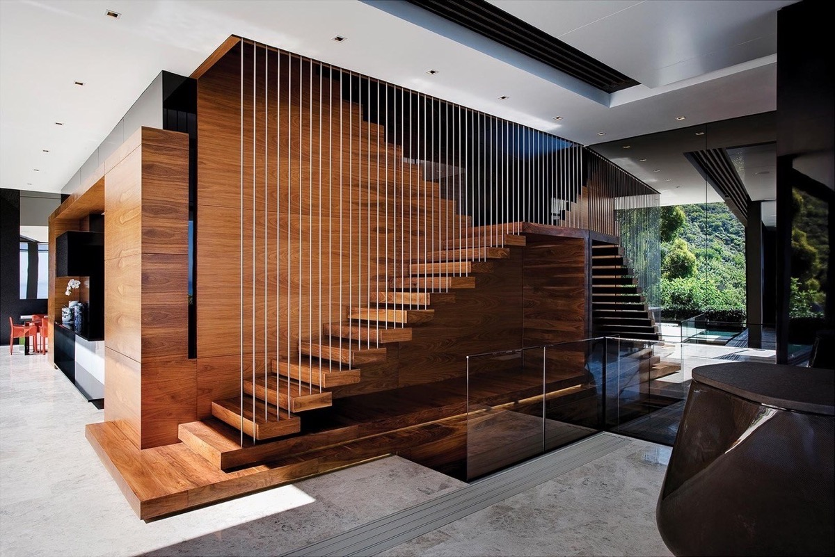 suspended-staircase-and-railings