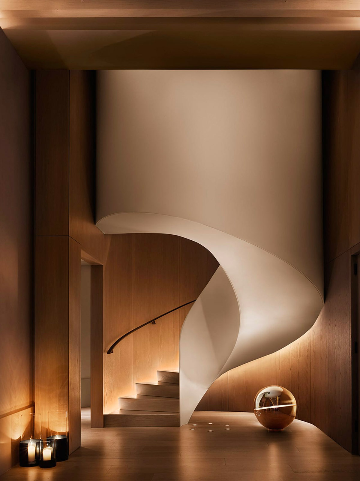 sweeping-staircase