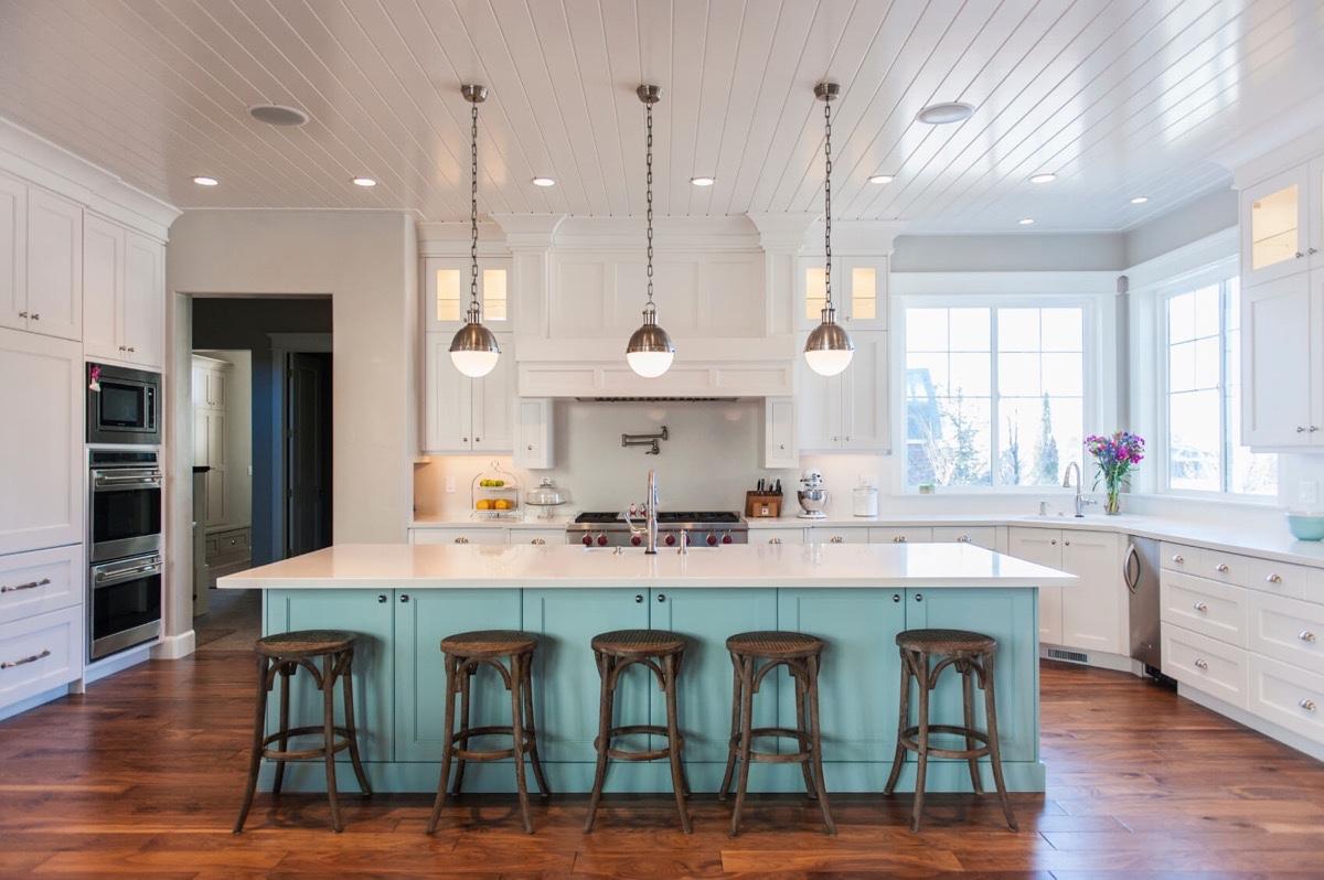vintage-inspired-kitchen-lighting