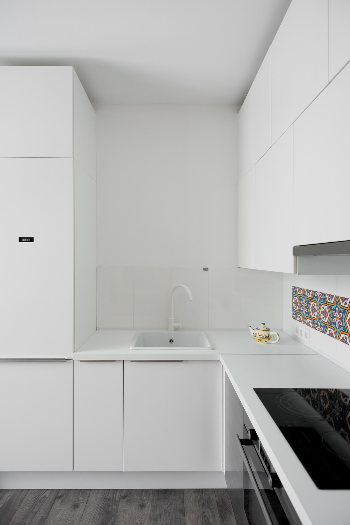 white-small-l-shaped-kitchen - Awesome Decors