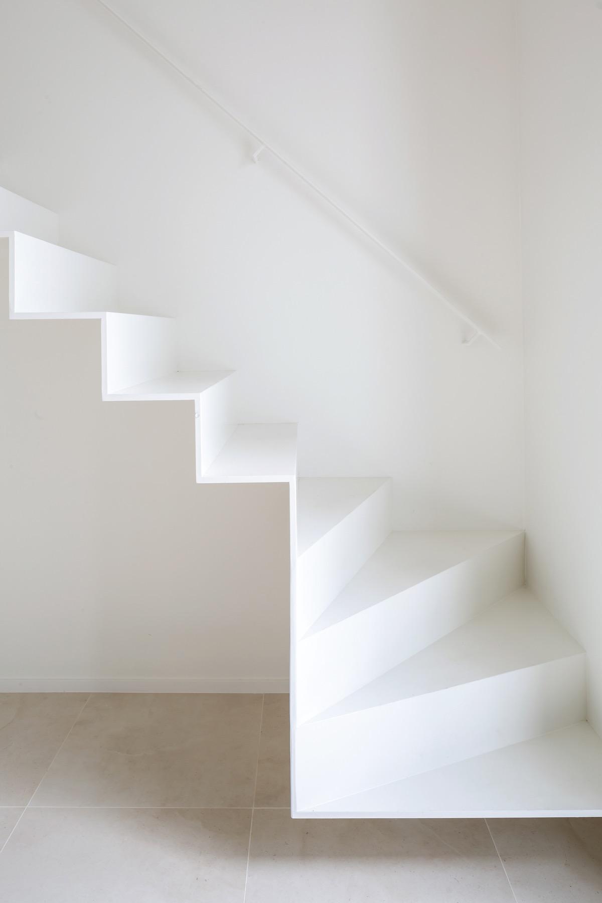 white-staircase-railing