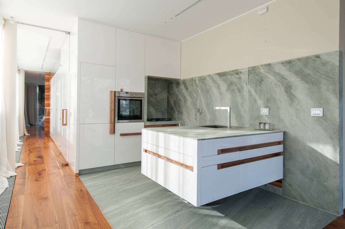 wooden-corridor-marble-kitchen
