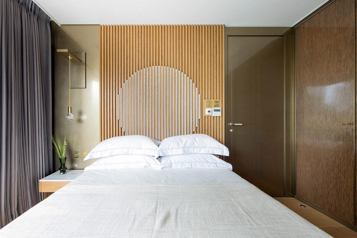 bedroom-wood-slat-accent-wall
