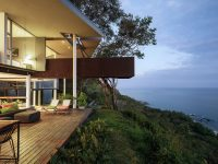 cantilevered-architecture