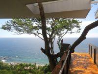 cantilevered-balcony