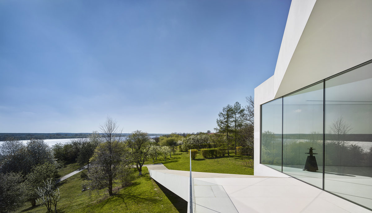 glass-wall-home