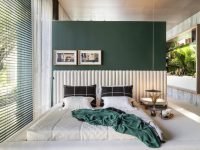 green-and-white-bedroom