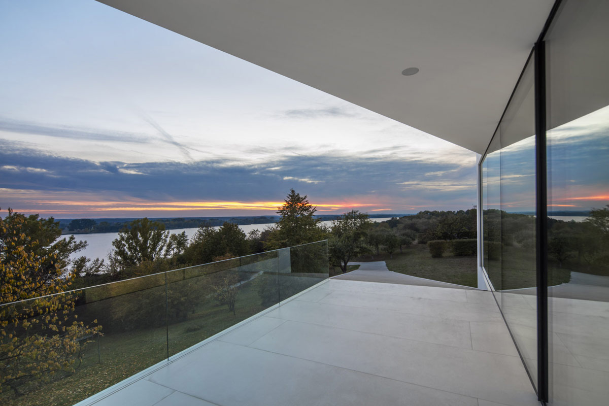 modern-balcony