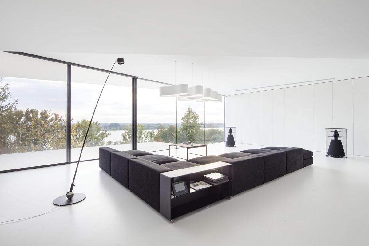 monochrome-interior