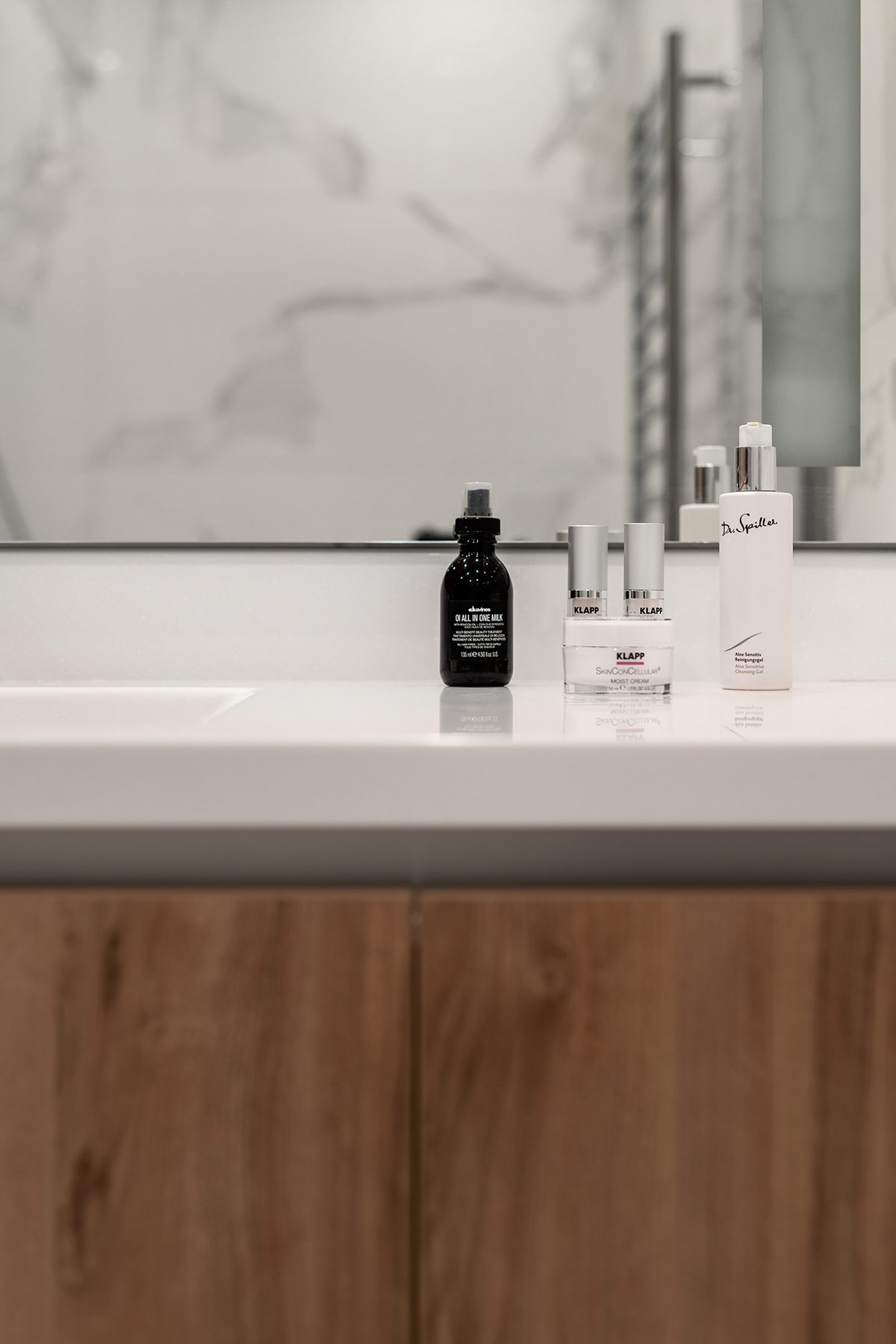 white-countertop