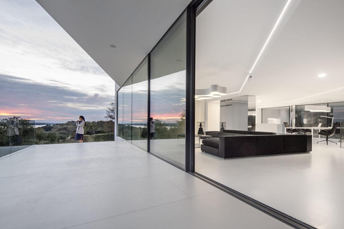 white-home-interior