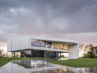 white-modern-home-exterior