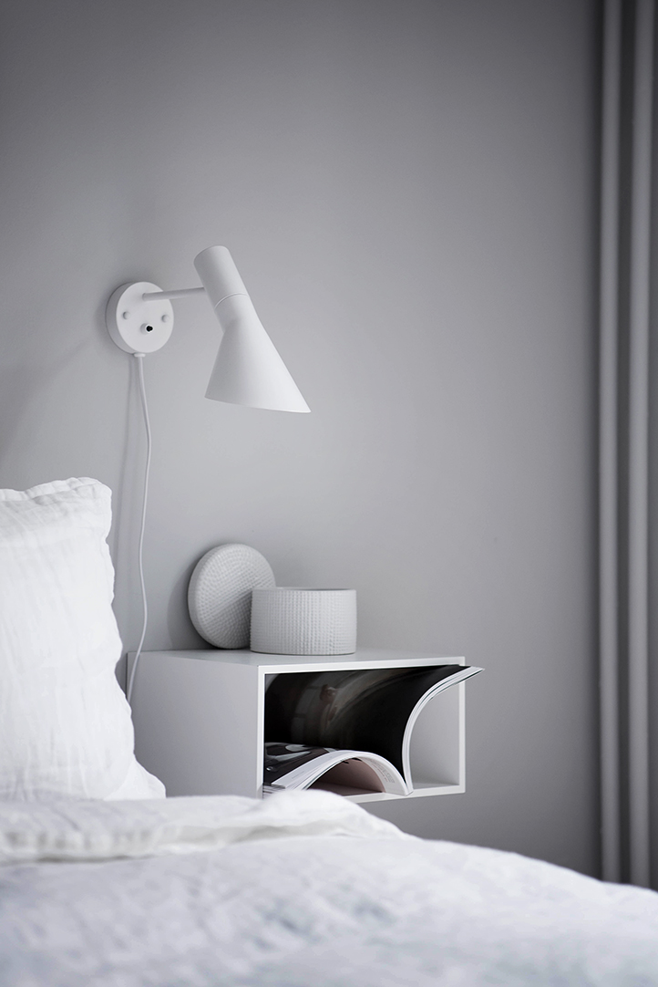 AJ-Style-Wall-Lamp-White-Metal-Cone-Shaped-Mountable