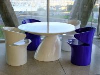 Eero-Aarnio-Parabel-Dining-Table-Glossy-White-and-Navy-Blue-Contemporary-Furniture-Luxury-Modern