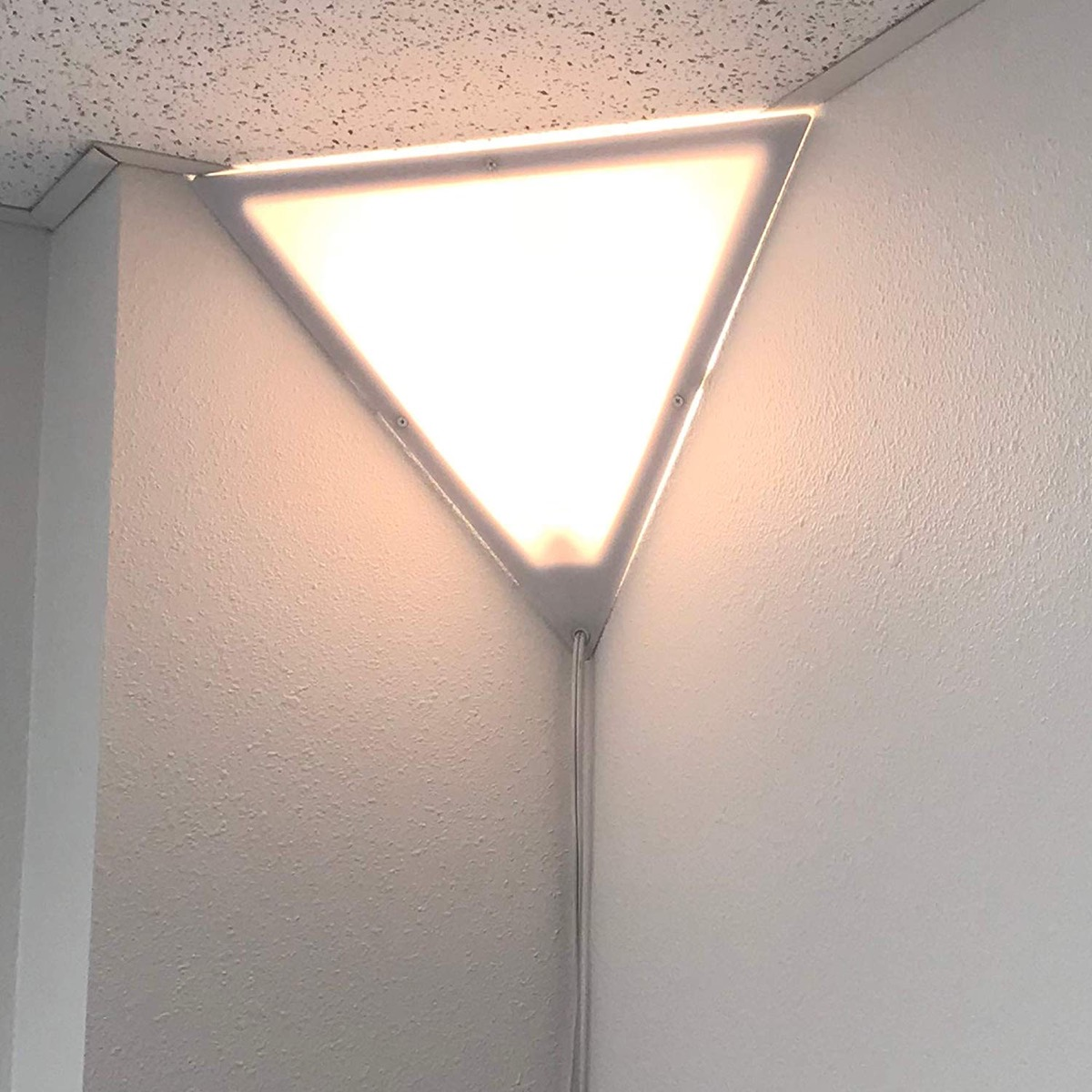 Triangle-Corner-Ceiling-Light-with-Cord-Secondary-Lighting-Ideas-Living-Room