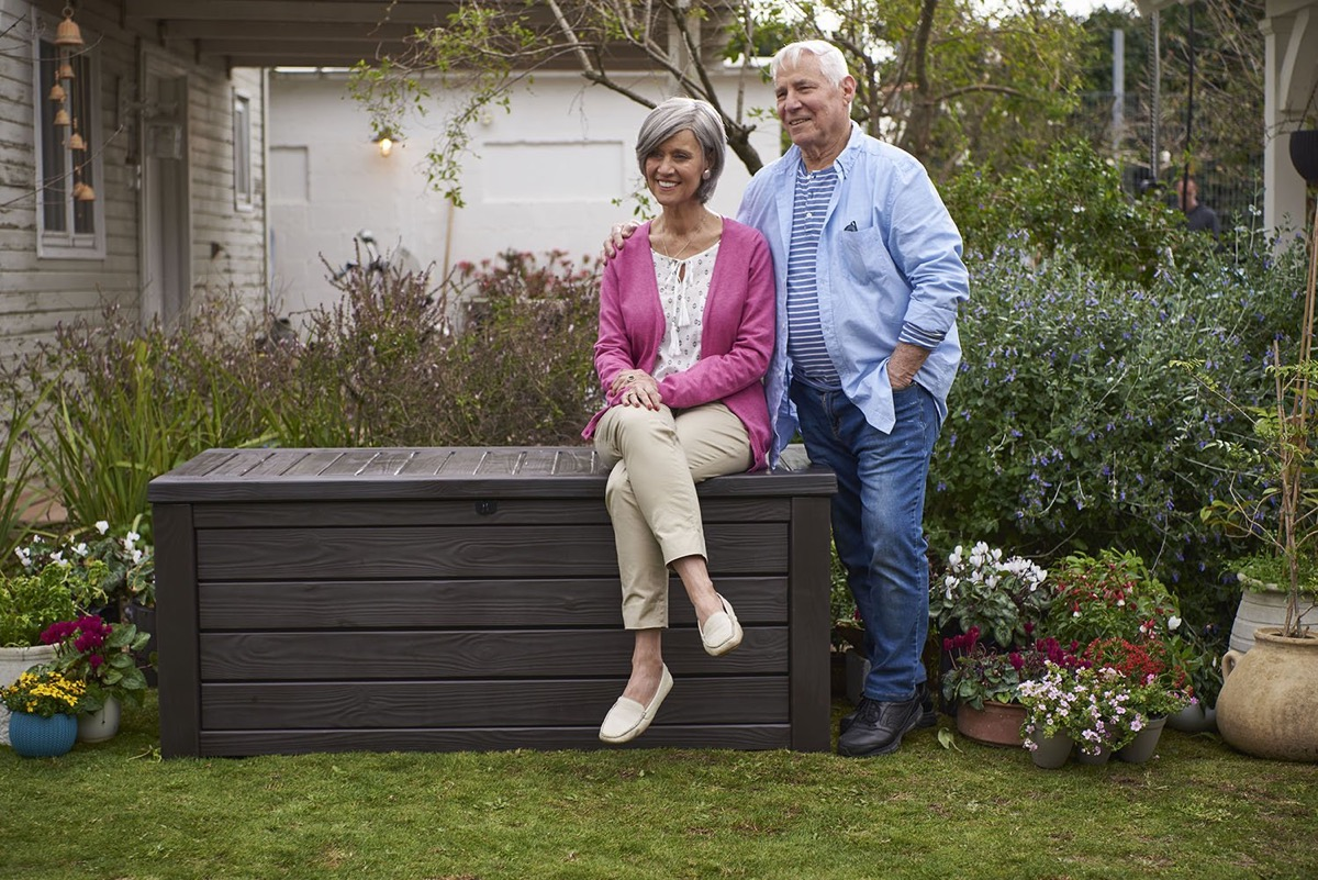 large-outdoor-storage-bench-150-gallon-waterproof-lockable-and-ventilated