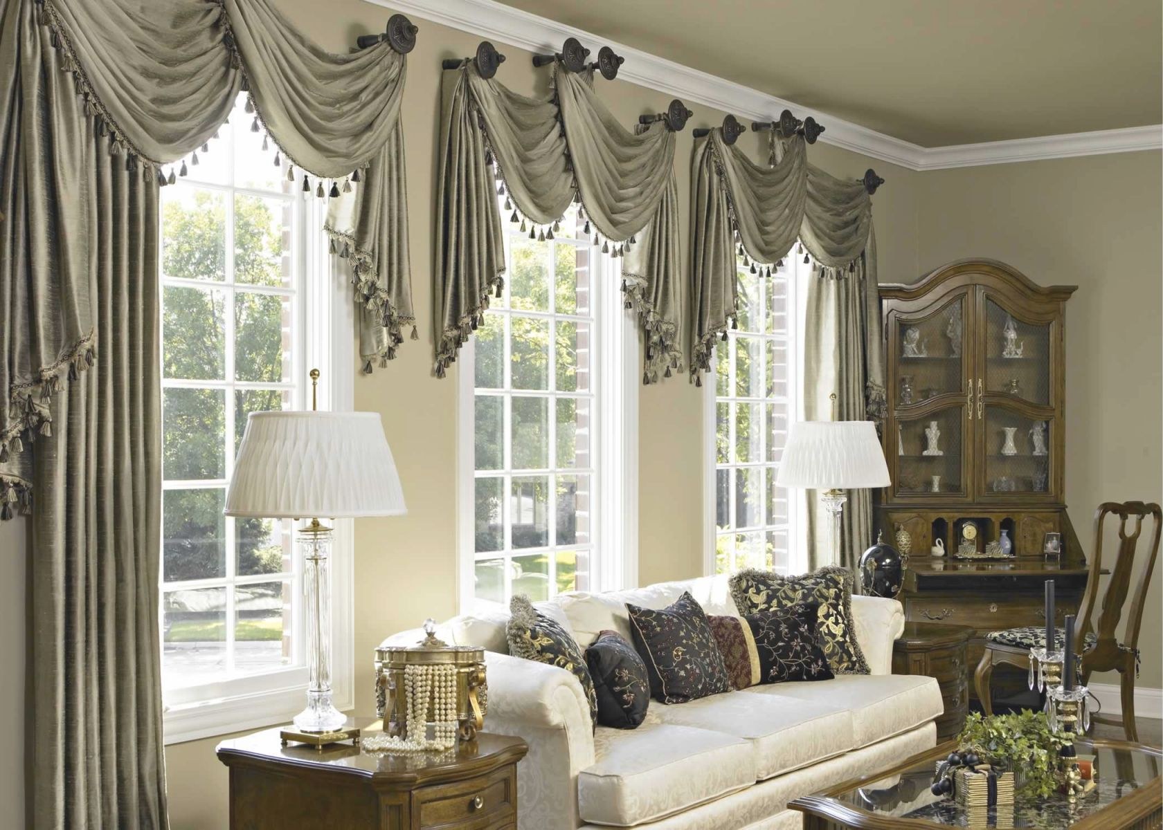 10 Curtain Ideas For An Elegant Living Room intended for Beautiful Window Treatment Ideas For Living Room