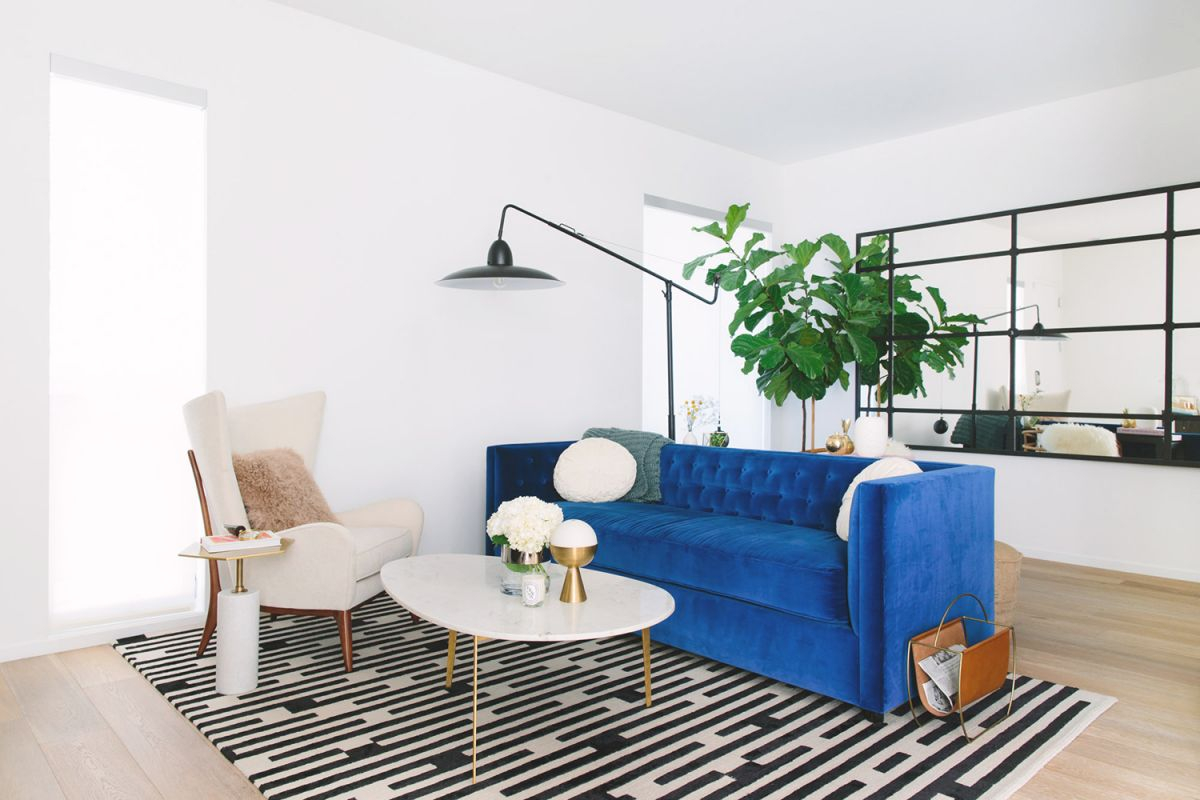 25 Stunning Living Rooms With Blue Velvet Sofas Inside Blue Couch Living Room Ideas Awesome Decors